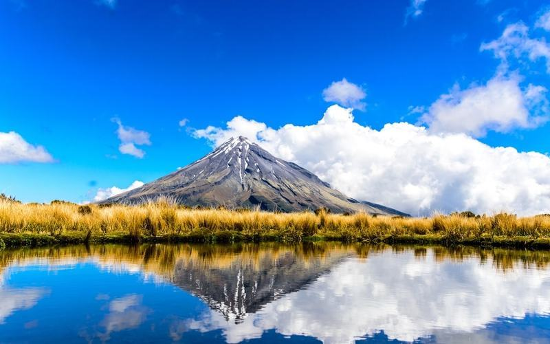Volcanic mountain reflected in New Zealand lake