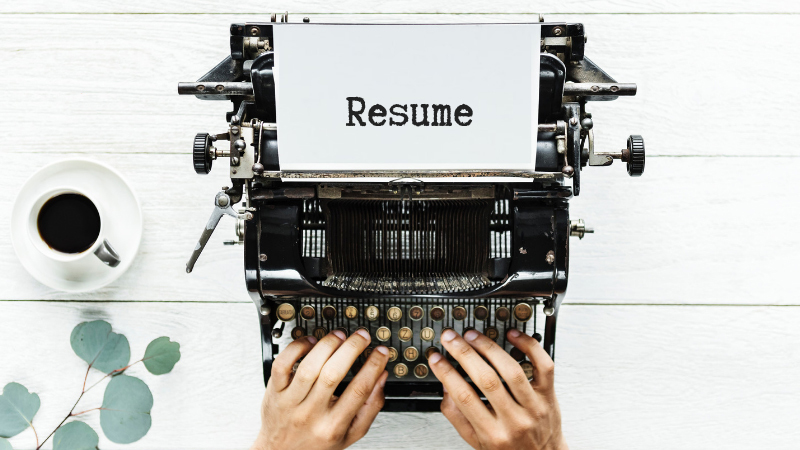 Resume tips on a type writer